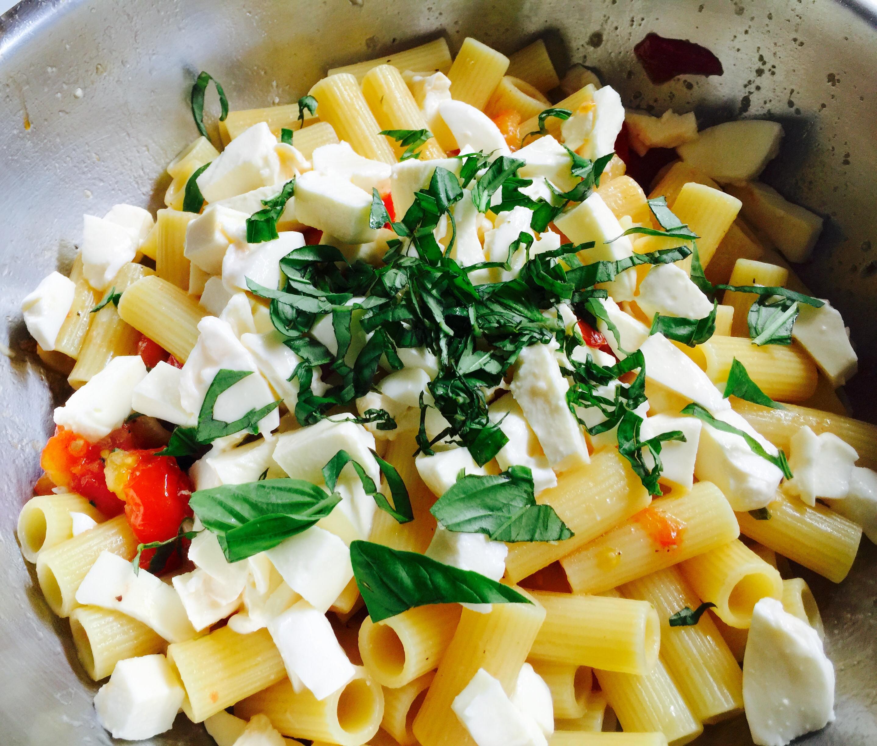 Pasta alla checca… Una tradición con pocos ingredientes! – italiaENcasa